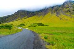 Bello paesaggio dell'alta montagna e del prato Fotografia Stock