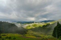 Bello paesaggio della campagna giapponese dell'alta montagna Fotografia Stock
