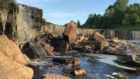 Bello paesaggio della cascata in Russia video d archivio