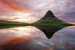 Bello paesaggio della montagna dell'Islanda Immagini Stock