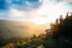 Bello paesaggio della montagna di estate nel plateau di Lago Naki fotografie stock