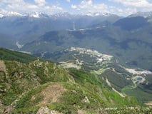 Bello paesaggio della montagna nel giorno di estate soleggiato fotografia stock libera da diritti