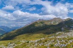 Bello paesaggio della montagna nelle alpi di Lechtal, Tirolo del nord, Austria Immagine Stock