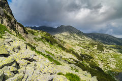 Bello paesaggio della montagna nelle alpi di Transylvanian Fotografia Stock Libera da Diritti