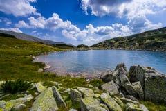 Bello paesaggio della montagna nelle alpi di Transylvanian di estate Fotografia Stock Libera da Diritti