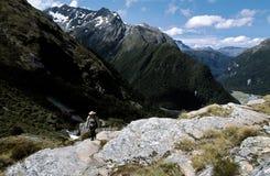 Bello paesaggio della montagna sull'aumento Immagine Stock