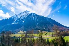 Bello paesaggio della valle della montagna delle alpi della neve Fotografia Stock Libera da Diritti