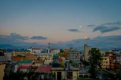 Bello paesaggio della vista della città di Kathmandu in un tramonto da Swayambhunath, Kathmandu Fotografie Stock
