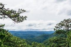 Bello paesaggio delle montagne Immagini Stock