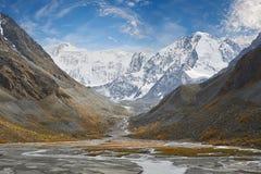 Bello paesaggio di autunno, montagne Russia di Altai Fotografie Stock Libere da Diritti