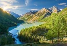 Bello paesaggio di autunno, montagne Russia di Altai Fotografie Stock