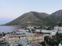 Bello paesaggio di Creta, del mare e della montagna Meraviglie della natura immagine stock libera da diritti