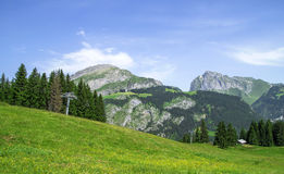 Bello paesaggio di estate nelle alpi francesi Fotografie Stock