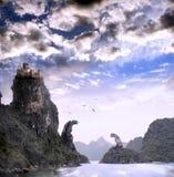 Bello paesaggio di fantasia con il vecchio castello Fotografie Stock Libere da Diritti
