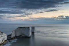 Bello paesaggio di formazione della scogliera durante l'alba sbalorditiva Fotografia Stock Libera da Diritti