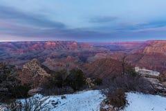 Bello paesaggio di Grand Canyon al tramonto fotografia stock libera da diritti