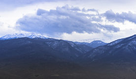 Bello paesaggio di inverno della montagna Immagine Stock