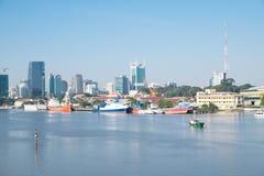 Bello paesaggio di mattina del fiume del saigon, centro del 'chi' noioso Minh City Fotografia Stock