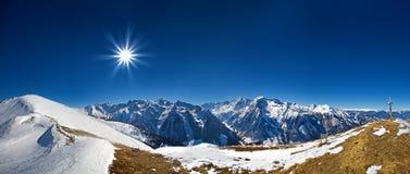 Bello paesaggio di panorama della montagna nelle alpi, Austria Fotografia Stock