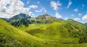 Bello paesaggio di panorama della montagna nelle alpi, Tirolo, Austri Immagini Stock Libere da Diritti