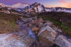 Bello paesaggio e cascata Fotografia Stock Libera da Diritti