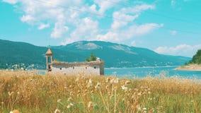 Bello paesaggio a Mavrovo, Macedonia video d archivio