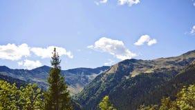 Bello paesaggio, montagne di Prealps dell'italiano Immagini Stock
