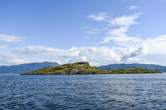 Bello paesaggio sul Mare del Nord in Norvegia con le nuvole sulla a Immagine Stock