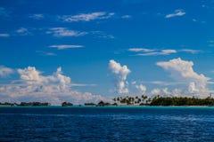 Bello paesaggio tropicale della spiaggia in Maldive Fotografia Stock Libera da Diritti