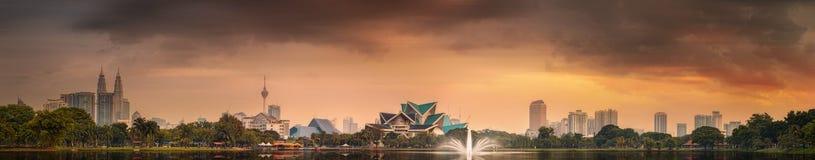 Bello paesaggio urbano dell'orizzonte di Kuala Lumpur Fotografia Stock Libera da Diritti