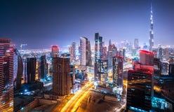 Bello paesaggio urbano di notte Fotografia Stock