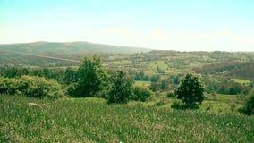 Bello paesaggio in villaggio stock footage