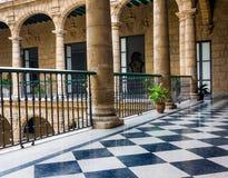 Bello palazzo spagnolo a Avana Fotografia Stock Libera da Diritti