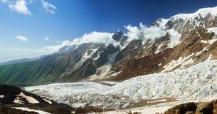 Bello panorama della montagna fotografie stock libere da diritti