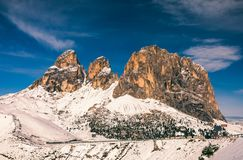 Bello panorama di inverno con la neve fresca della polvere Paesaggio con Fotografia Stock Libera da Diritti