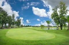Bello parco di golf Fotografie Stock Libere da Diritti
