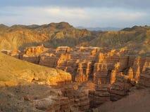 Bello parco nazionale profondo di Charyn del canyon (Sharyn) Fotografie Stock