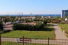 Bello parco sulla costa di mare immagine stock