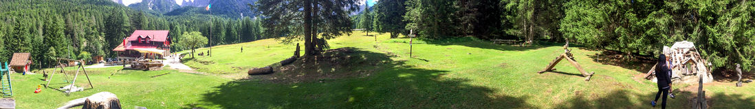 Bello parco sulle alpi, vista panoramica Fotografia Stock