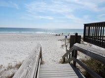 Bello passaggio pedonale alla spiaggia Immagine Stock Libera da Diritti