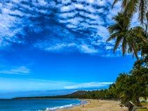 Bello pomeriggio alla spiaggia di Nacpan, Ilocos Norte, Filippine immagini stock
