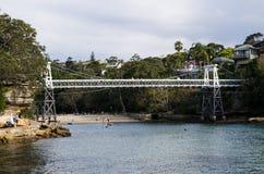 Bello ponte bianco di legno alla baia del prezzemolo, Sydney, Australia fotografie stock libere da diritti