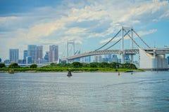 Bello ponte dell'arcobaleno di Tokyo nel giorno immagini stock libere da diritti