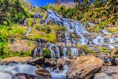 Bello punto di vista del paesaggio di Mae Ya Waterfall in Doi Inthanon nazionale Immagini Stock Libere da Diritti