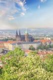 Bello punto di vista della st Vitus Cathedral, del castello di Praga e di Mala Strana a Praga, repubblica Ceca Fotografie Stock Libere da Diritti
