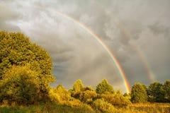 Bello Rainbow in cielo Immagini Stock Libere da Diritti