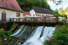 Bello ristorante Friedrichshoehle alla baia di Wimsener nelle camice sveve Immagine Stock