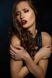 Bello ritratto di una ragazza. Trucco luminoso. Fotografia Stock Libera da Diritti