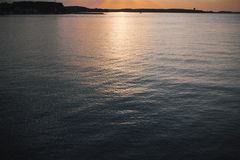 Bello sole dietro le nuvole, il mare Fotografia Stock Libera da Diritti