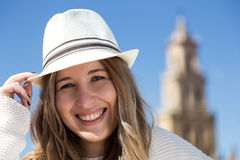 Bello sorridere della giovane donna Fotografia Stock Libera da Diritti